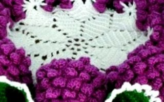 Салфетка «Виноградная гроздь» крючком