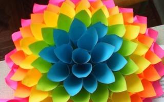 Цветок из гофрированной бумаги оригами