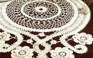Круглая салфетка крючком как интересное дополнение декора